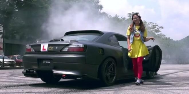 Ela deixou os instrutores de condução à beira de um ataque cardíaco. - Tuga VideosTuga Videos